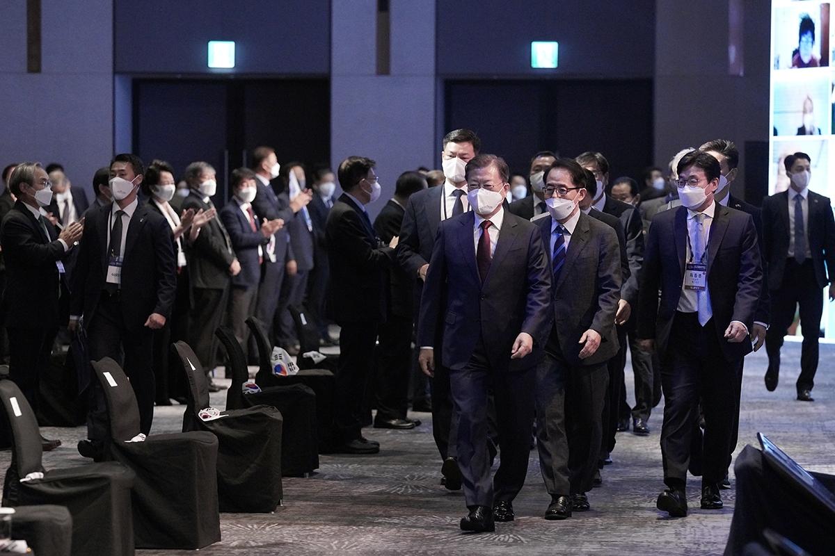 문 대통령은 5일 오전 서울 그랜드워커힐호텔에서 열린 제15회 세계 한인의 날 기념식에 참석했다. (청와대 제공)